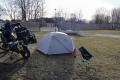 Estland 2 - Pärnu - Der Campingplatz ist zwar nicht der hübscheste, die Sonne genieße ich trotzdem :)