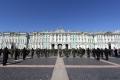 St. Petersburg - Winterpalast mit Probe für die Feierlichkeiten am 9. Mai